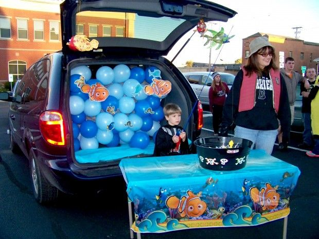 d1e69b2eef677b1acd478e2c9e22faa3--finding-nemo-trunk-or-treat